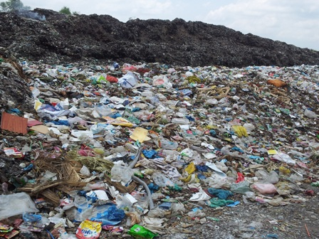 HCM City lacks land for rubbish dumps