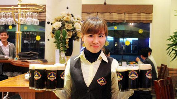 Vietnam, adventurous tourists, adventurous tourists, street food, Bia Hoi