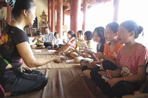 Children, study, xam folk singing, xam artist Ha Thi Cau, local musicians