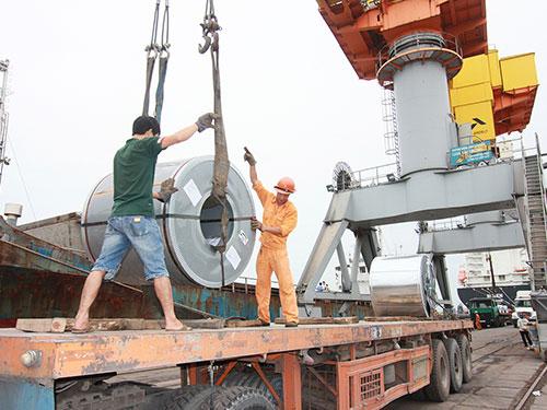 Hai Phong port, goods, stuck