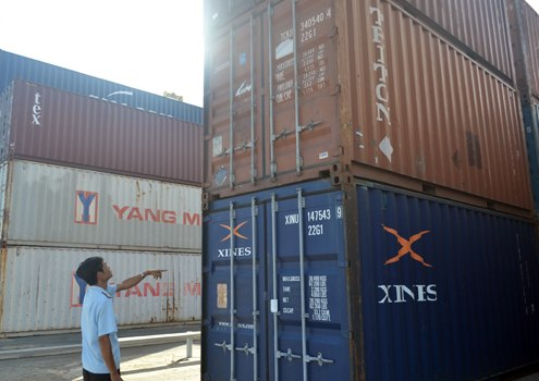 Import/export companies complain about new port service fee