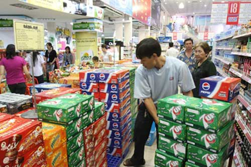 the soft drink competition Competition in the soft drink industry is mostly relevant among the top three companies coca-cola, pepsi-cola, and dr pepper/seven up each of these companies offers a product similar to squirt, but each has their own variation.