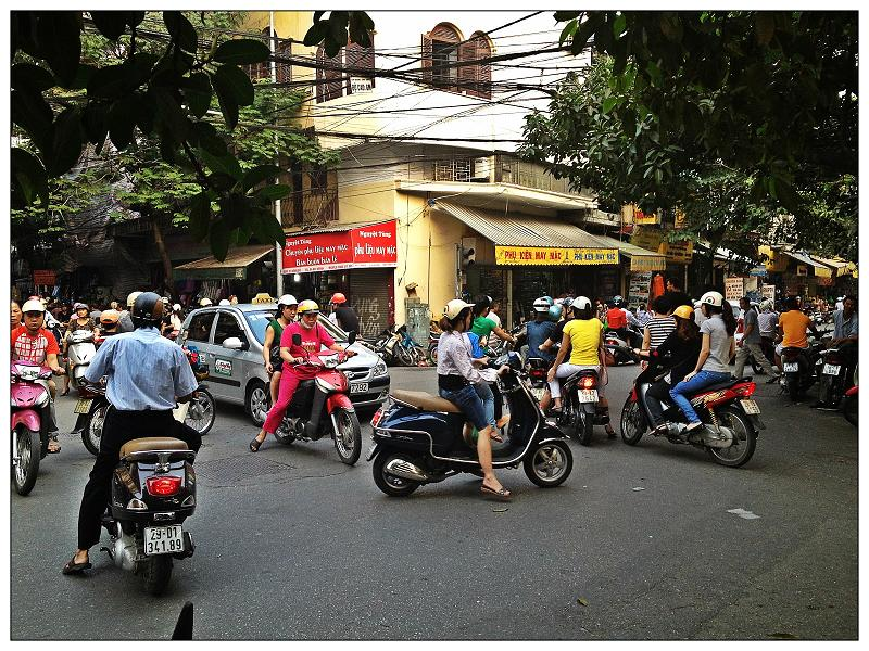 Foreign bloggers show a different Hanoi