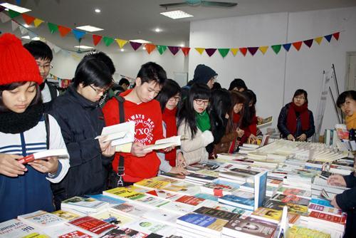 Light entertainment genre, market literature, books, writers