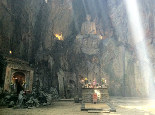marble mountains, da nang, non nuoc stone carving village, huyen khong cave