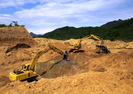 Gold mining, Quang Nam, miners