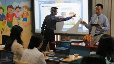 Experts support use of e-textbooks in HCM city