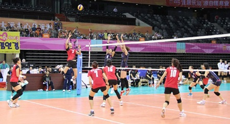 Vietnam to play Japan in Asian women's volleyball quarters
