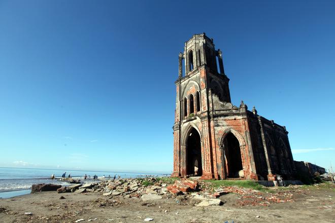 ruined church, Nam Dinh