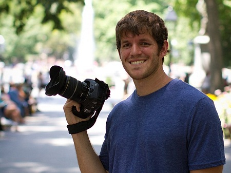 "American famed for ""Humans of New York"" series visits Vietnam"