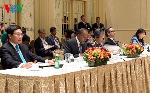 Deputy PM Minh, ASEAN officials meet on UN sidelines