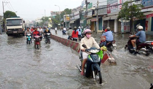 HCM City, floods, threaten, luxury apartment, flood control