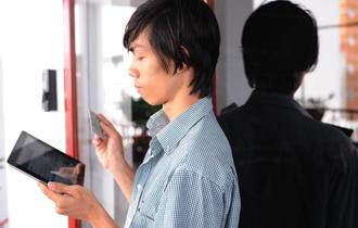 Smartphones, retail