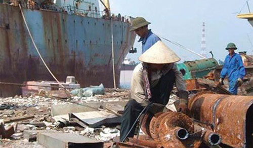 Shipping industry, old ship imports, waste treatment, environmental protection