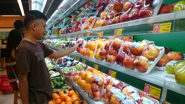 Management of fruit imports in a muddle