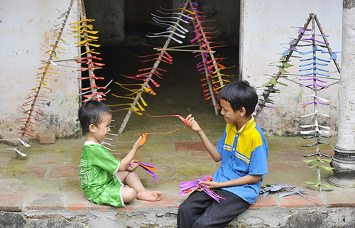 Weekend visit to craft villages in Hanoi suburbs