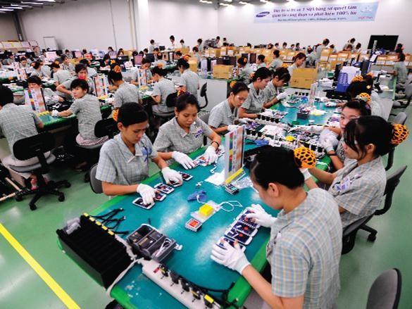 Samsung invests $3 billion more in Vietnam