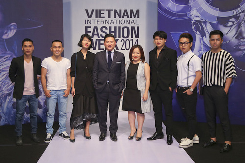VN's couture designs presented at VN Int'l Fashion Week