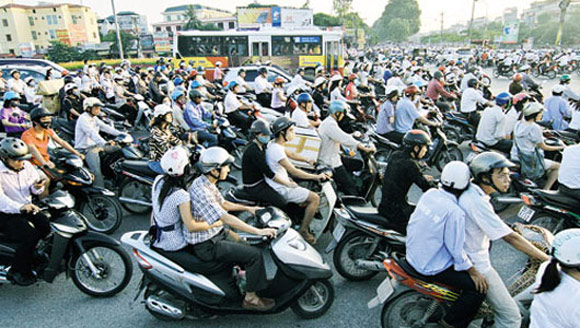 Experts: VN should not limit motorbikes