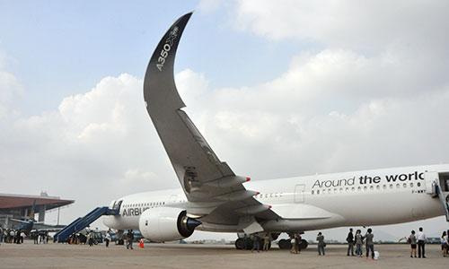 Photos: Airbus A350 XMB's demo flight in Vietnam