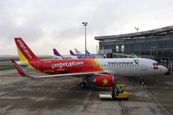 Vietjet receives a new Airbus A320 in France