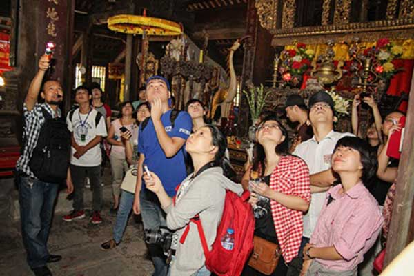 Windy Days youth trips explore traditional Vietnamese culture