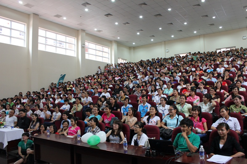 Vietnamese university students struggle with English tests