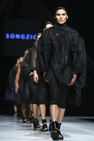 Zio Song, Claire Cornille, Vietnam International Fashion Week 2014