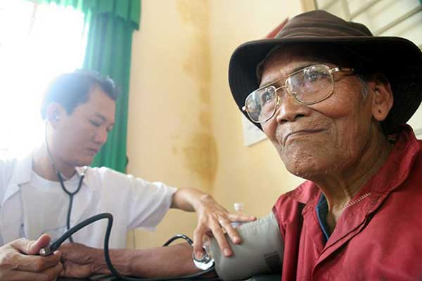 malnutrition in older hospitalised patients Malnutrition and clinical outcomes in elderly patients from a singapore acute hospital ii abstract older adults, especially those acutely ill, are vulnerable to developing malnutrition.