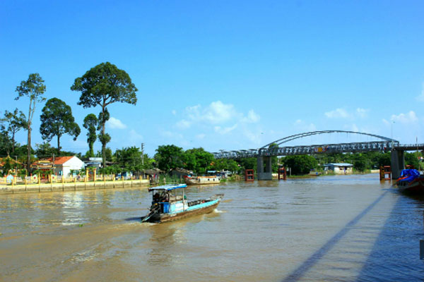 major bridges in the Mekong Delta, can tho, vinh nguon, rach mieu