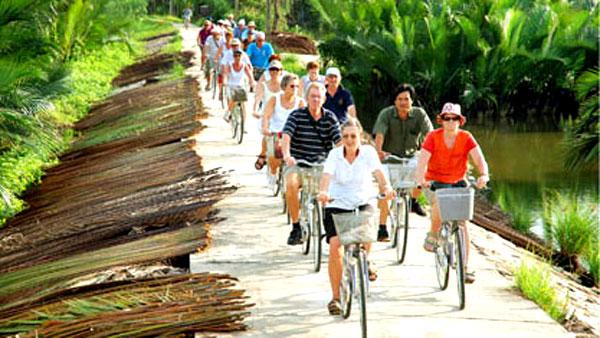 tourism in vietnam essay