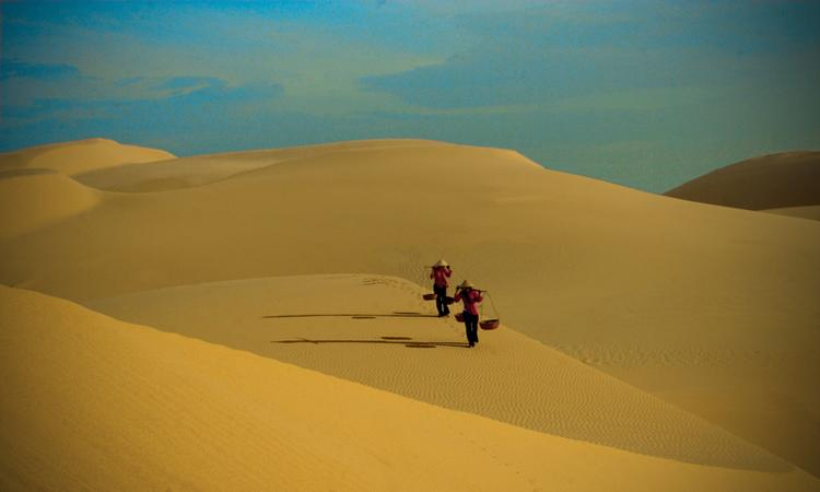 binh thuan, sand dunes, ke ga lighthouse, multicolored stone ground
