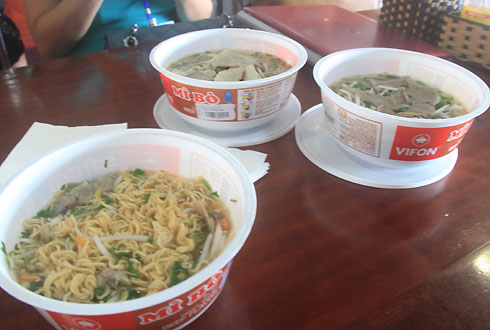 overcharge, noi bai airport, food at noi bai airport