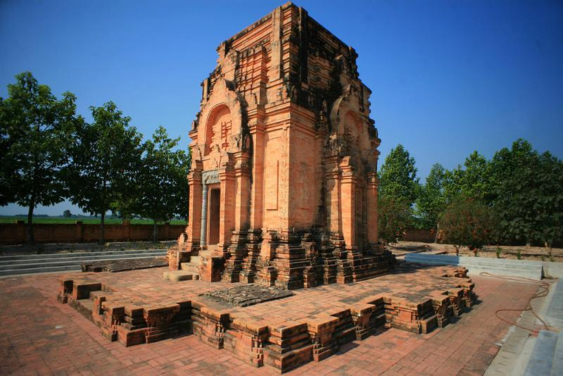 Photos The 1 300 Year Old Ancient Tower Of The Funan