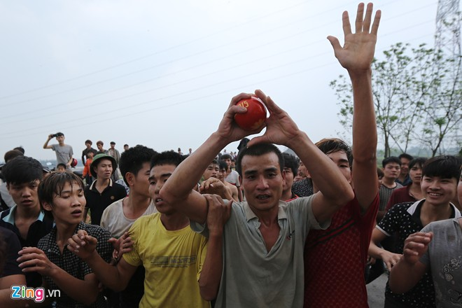 hien quan festival, lucky ball