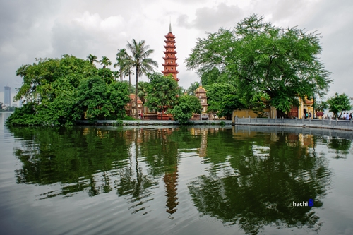Ancient pagodas around Hanoi's West Lake