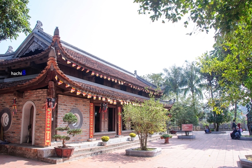 pagodas around the west lake, phu tay ho, van nien, tran quoc, kim lien, tao sach