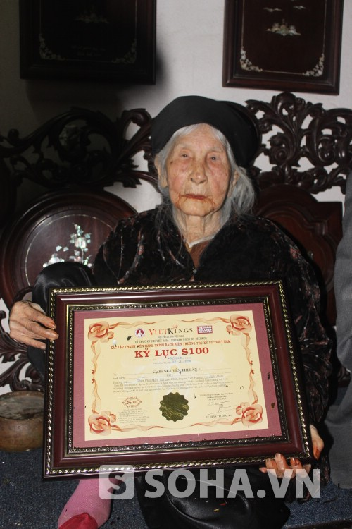 Woman with nearly 100 descendants holds record
