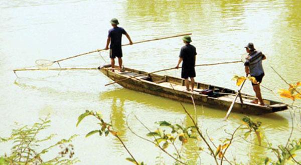 Electrofishing jolts fish stocks across Viet Nam