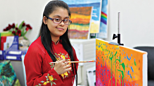 Indian girl's love for disabled kids through paintings, Flower street to welcome National Tourism Year, Hanoi to host watercolour exhibition, Twelve comedians chosen for Viet Nam reality TV show, Television concert to feature old songs