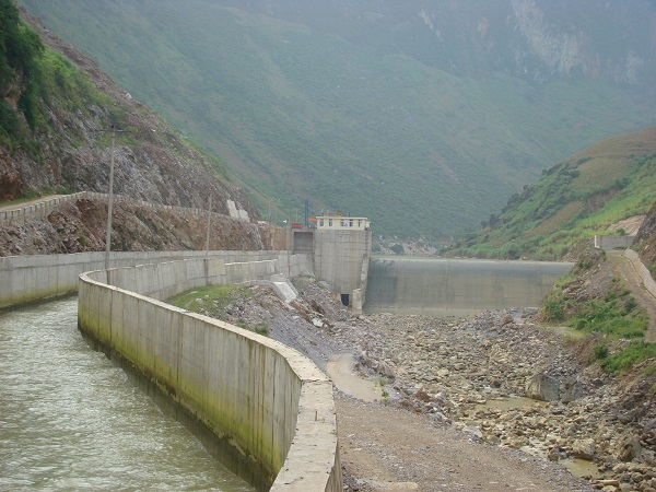 Four to six hydropower plants for each river in Ha Giang Province