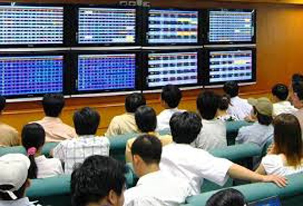 Financial market: Interest rate, exchange rates up, stock index down