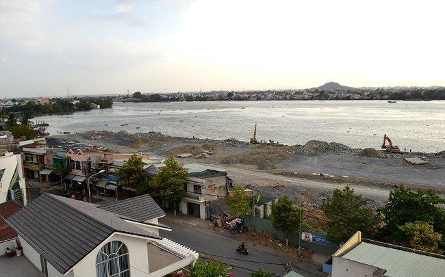 Vietnam, Dong Nai River, dioxin