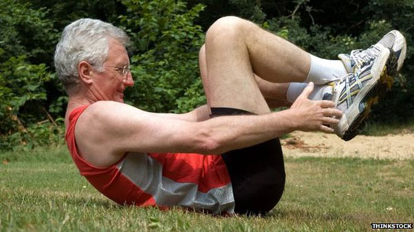 Elderly people who exercise 'live five years longer'