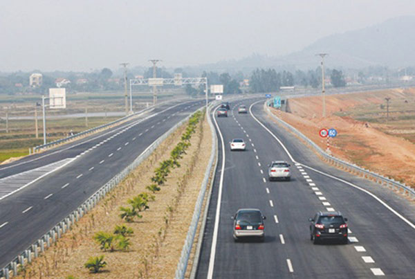 Highway building, sub-standard construction procedures, contractors, consultants
