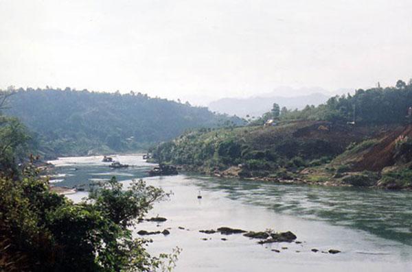 Northwest river captivates intrepid explorers