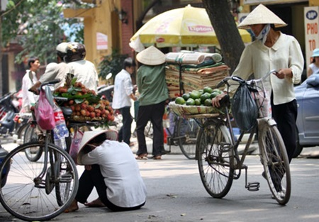 Hanoi tightens parking lot regulations, NGO highlights plight of migrant workers, Beware of overseas job scams: Ministry, Ly Son's marine resources diminish,  Ha Tinh wants $3.6m in drought relief, Vietnamese drug addicts still high
