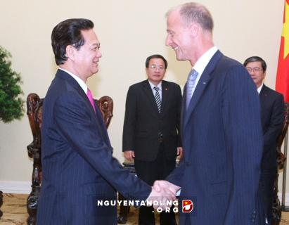 Vietnam PM meets with Airbus Group CEO,  Airbus Group CEO Thomas Enders