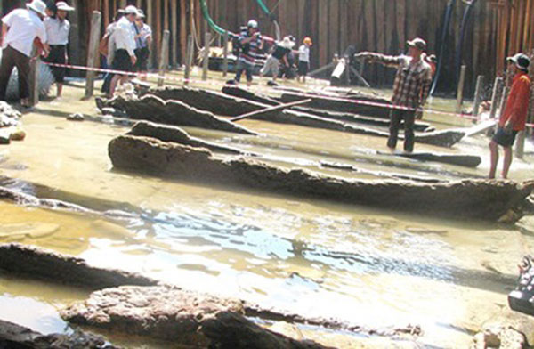 Central Vietnamese ports, underwater archaeology, stone statues, Ly Son Island