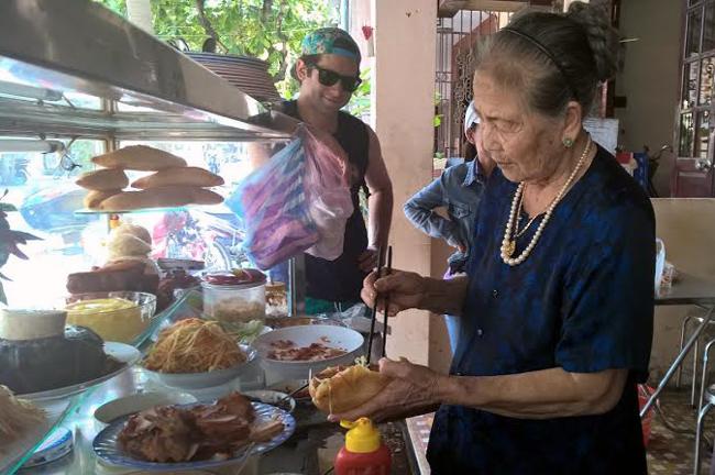 Internationally known elderly Vietnamese